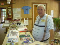 Peanut_museum_volunteer